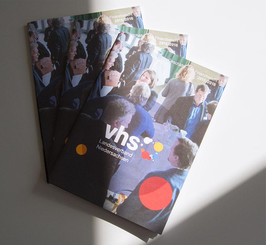 vhs, Erwachsenenbildung, Lernen, Geschäftsbericht, Finanzbericht